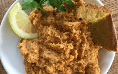 Hummus mit leckeren Basenkräcker